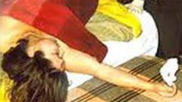 Người phụ nữ chết lõa thể trong khách sạn