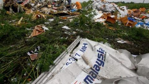 Báo Anh: Điệp viên CIA chỉ đạo bắn rơi MH17?