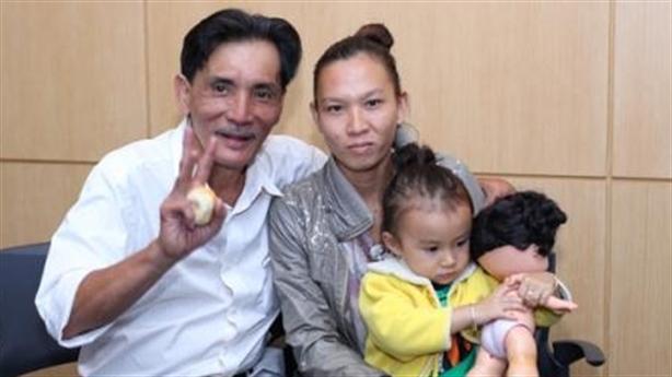 Hé lộ góc khuất tình trường của Thương Tín và vợ trẻ