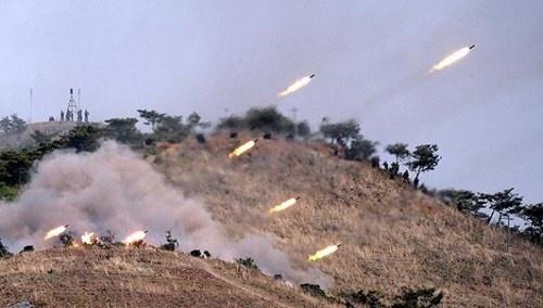 """Cuộc chiến bán đảo Triều Tiên: Mỹ-Hàn-Triều đang """"đấu võ mồm""""?"""