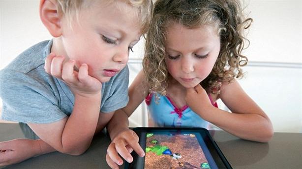 7 cách bảo vệ con bạn từ những trang mạng xấu