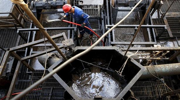TQ muốn 'phế' đồng USD trong giao dịch thương mại dầu thô?