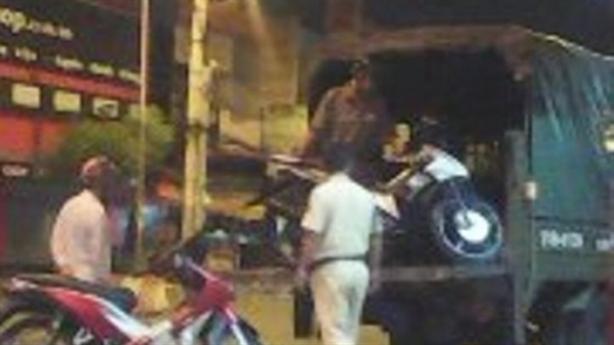 Vi phạm giao thông, dùng dao đâm một Trung úy CSGT
