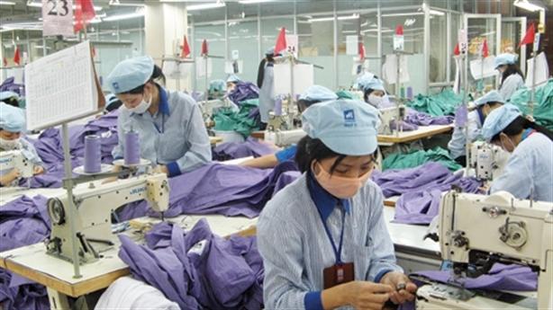 Lao động Việt: 10 năm mới bằng Philippines