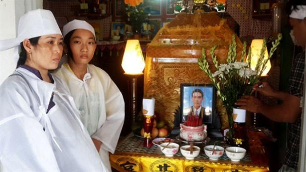 Tàu cá Việt Nam bị nã đạn: Hành động vô nhân đạo