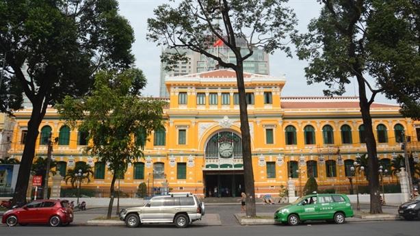Xây quán cà phê ở mặt tiền Bưu điện TPHCM