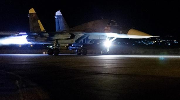 Chiến đấu cơ Nga không kích đêm giáng đòn tâm lý chiến