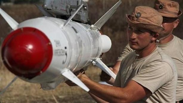 Máy bay Nga 'cháy' đạn, nhà máy dốc toàn lực cấp hàng