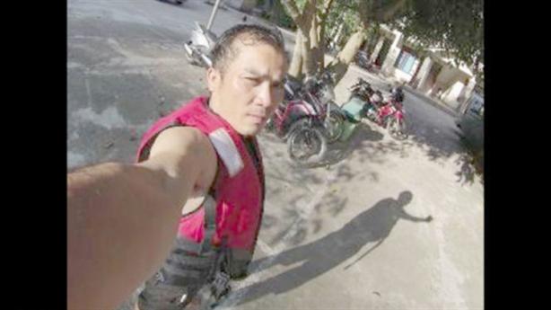 Ép khách Tây chuộc máy ảnh: Tố cáo ngược