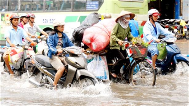 TP.HCM mưa là ngập: Chịu thua ông trời
