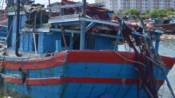 Tàu ngư dân bị Trung Quốc đâm chìm đang kêu cứu