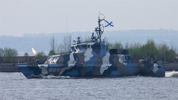 Đóng tàu Nga khốn đốn: Phải mua động cơ Trung Quốc