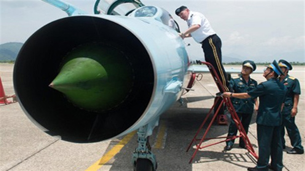 Việt Nam chọn máy bay nào thế chỗ khi MiG-21 nghỉ hưu?