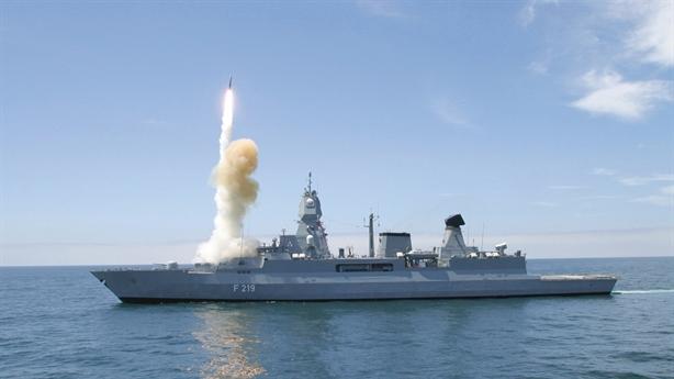 Đức mang chiến hạm phòng không đến Syria
