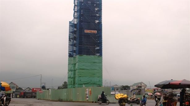 Hà Tĩnh đình chỉ Formosa xây tháp 32m không phép