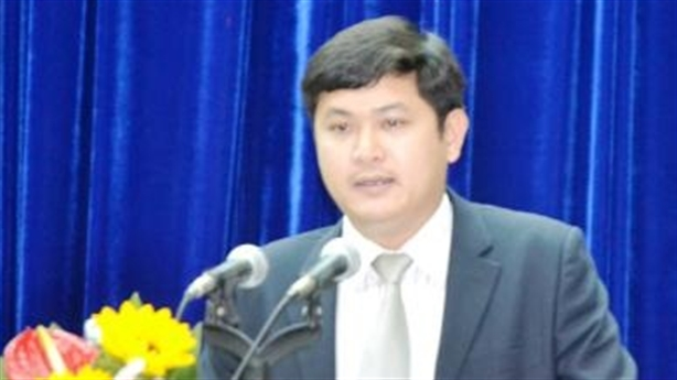 Giám đốc Sở 30 tuổi được bầu thêm chức danh