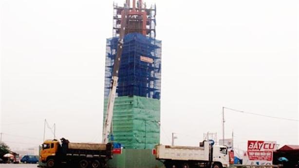 Formosa xây tháp cao 32m trái phép: Chuyện vô cùng lạ