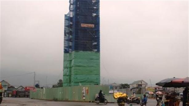 Formosa xây tháp cao 32m trái phép: Chỉ đạo nóng