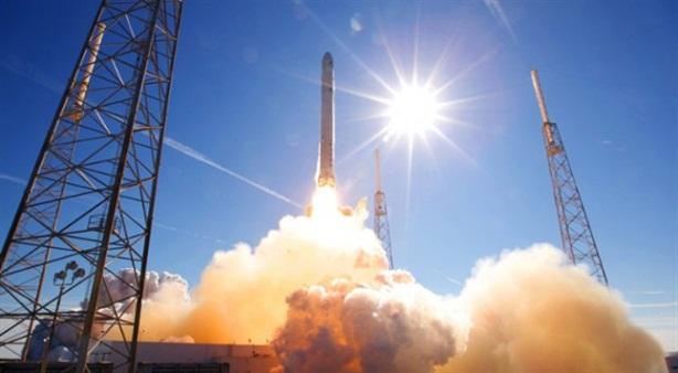 Lại mua động cơ tên lửa, bao giờ Mỹ hết lụy Nga?