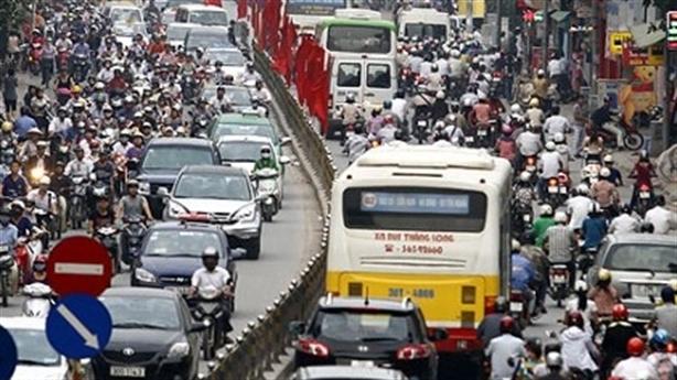 Hạn chế xe cá nhân: Bộ trưởng Thăng đáp lời tướng Chung