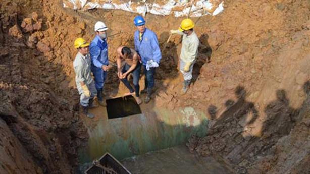 Vỡ đường ống sông Đà, người HN lo thiếu nước đầu năm