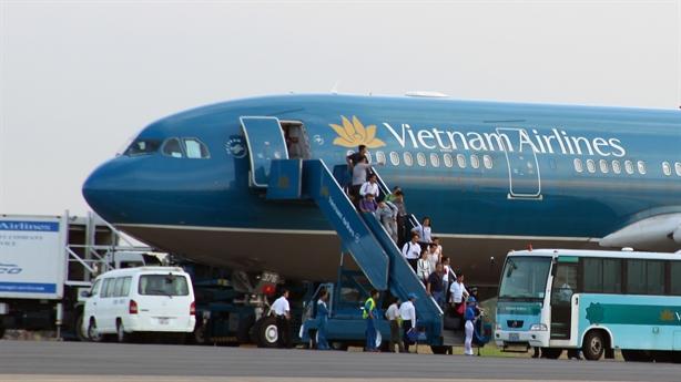 Bộ trưởng Thăng đề nghị Vietnam Airlines giảm giá vé