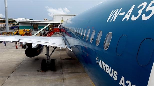 Bộ trưởng Thăng đề nghị Vietnam Airlines giảm giá: Hợp lòng dân