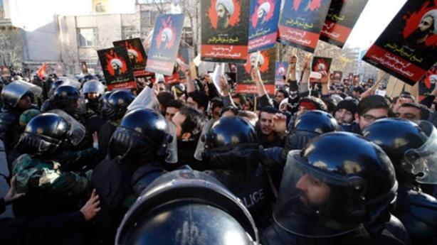 Iran-Saudi Arabia tự dập lò lửa chiến tranh cận kề