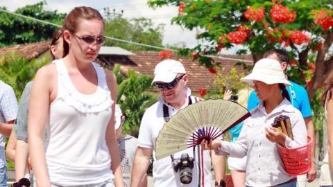 Du lịch Thái Lan: Tấm gương người Việt không muốn soi