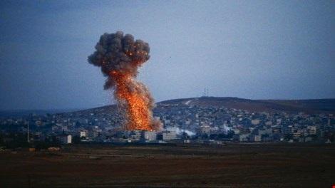 Syria dồn đánh quyết liệt, IS bị máy bay lạ tấn công