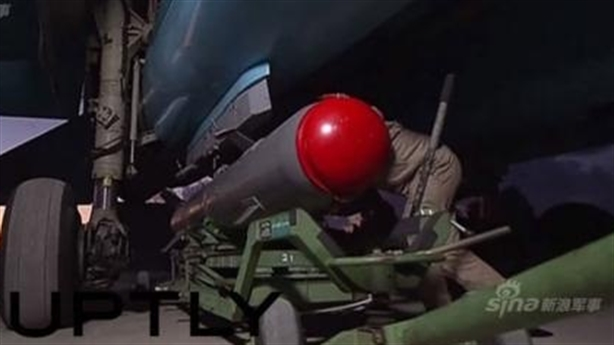 Xem bom thông minh FAB-500 xé nát mục tiêu IS