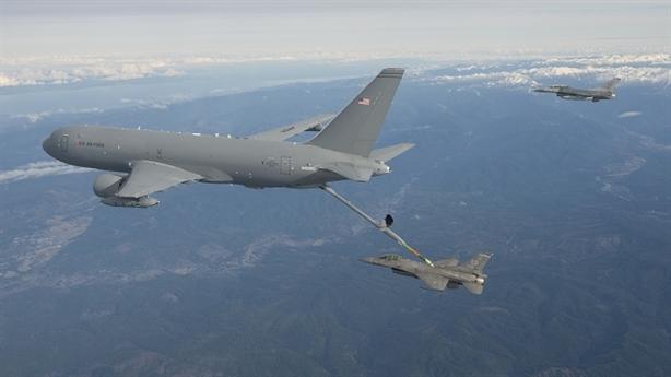 Mỹ khiến phi đội máy bay tiếp dầu Trung Quốc nhỏ bé