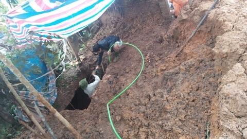 Đào hầm xuyên nhà hàng xóm: Phá niêm phong, tiếp tục đào