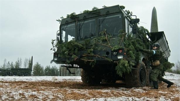Iskander-M tập trận với đạn tên lửa mới: NATO mất ngủ?