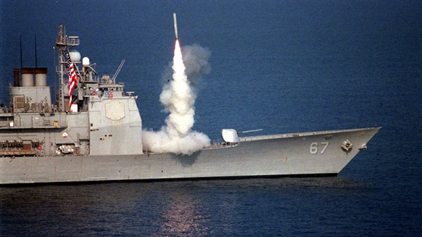Tên lửa Tomahawk và SM-6: Vũ khí hai trong một của Mỹ
