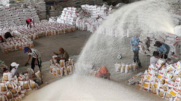 Gạo Việt còn cửa thắng Campuchia: Điều Việt Nam cần làm