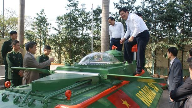 Tàu ngầm mini Hoàng Sa ra biển: Bước tiến mới