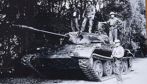 """Cuộc chiến tranh 17-2-1979:Thảm bại của """"Người khổng lồ chân đất sét"""""""