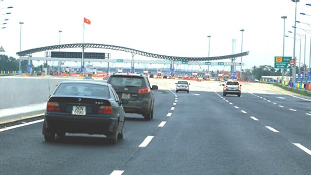 Cao tốc Hà Nội-Hải Phòng giảm phí xe tải nặng: Chiêu cao