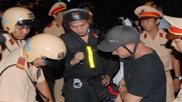 Bí thư Thăng tuyên chiến, tội phạm cướp giật khó lường
