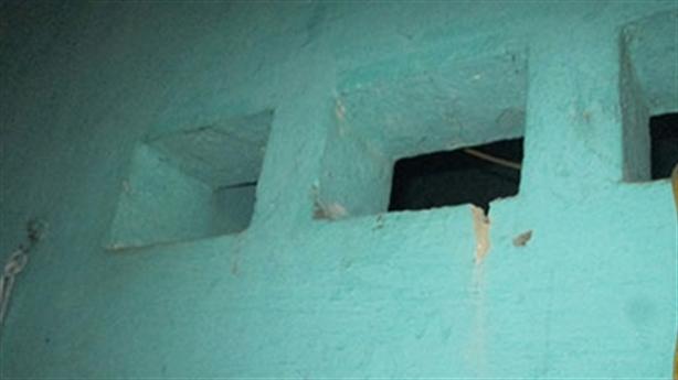 Nghi án nữ sinh chết do cưỡng hiếp: Đàn ông cũng khóc