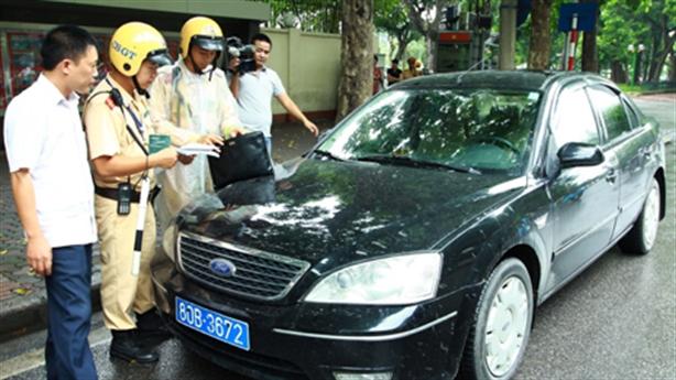 Hà Nội quyết khoán xe công: Bộ Tài chính ngỏ lời giúp