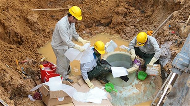 Hủy thầu đường ống nước sông Đà: Hà Nội nên làm gì?