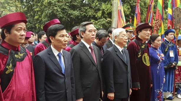 Tổng Bí thư dâng hương long trọng giỗ Tổ Hùng Vương