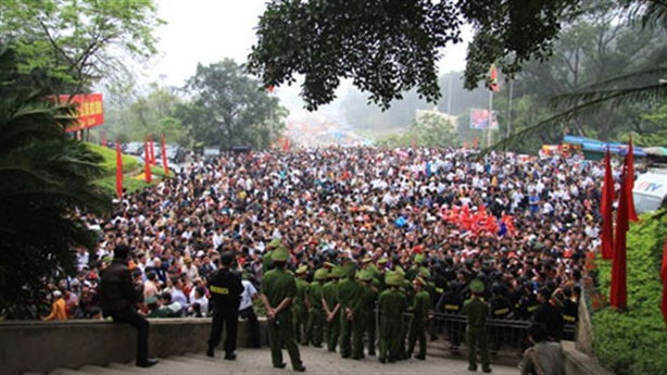 Quá nhiều lễ hội, Việt Nam cổ súy cho sự lười biếng