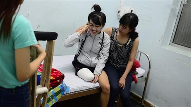 Nữ sinh mất chân oan: Lời hứa Bộ trưởng Tiến hiệu nghiệm