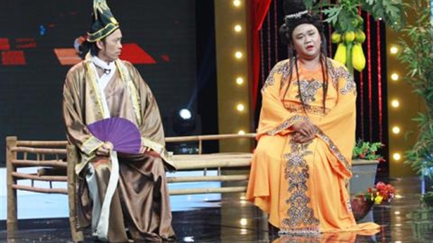 Hoài Linh đả kích giới nghệ sĩ vì scandal Minh Béo?