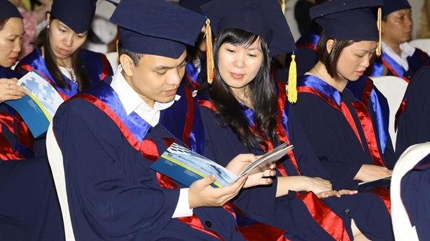 Hơn 1 tỷ đồng cho tấm bằng tiến sĩ ở Việt Nam