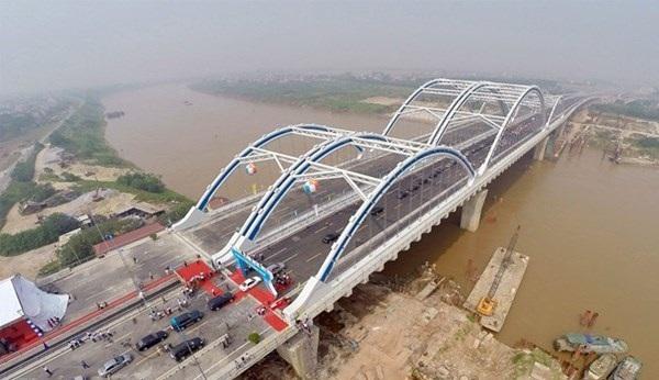 13 km đường Hà Nội đội vốn 3100 tỷ: Lỗi tại ai?