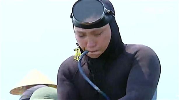 Ngư dân phát hiện ống xả thải Formosa phải nhập viện
